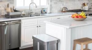 Praktyczne akcesoria domowe pomogą posegregować śmieci, utrzymać czystość w kuchni czy uporządkować przedmioty. Przeczytajcie, co oferuje kalifornijska firma.
