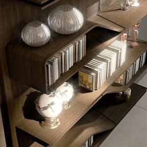 Półki na książki z zastosowaniem oświetlenia LED oraz kąta 45 stopni w meblach z kolekcji Pininfarina marki Reflex. Fot. Galeria Heban