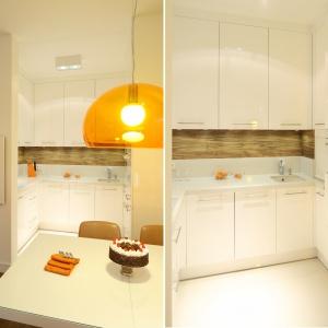 W niewielkiej wnęce urządzono małą kuchnię, skąpaną w bieli. Projekt: Małgorzata Galewska. Fot. Bartosz Jarosz