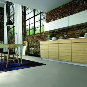 Styl: Gdy liczy się czas i efekt. Posadzki dekoracyjne Weber 4650 Design Color. Fot. Weber