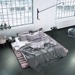 Styl: Na spokojny sen. Posadzki dekoracyjne Weber 4650 Design Color. Fot. Weber