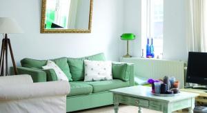 Efekt wykończenia, czyli rodzaj i stopień połysku powłoki farby na ścianie, jest czynnikiem decydującym o wyglądzie i odbiorze koloru.
