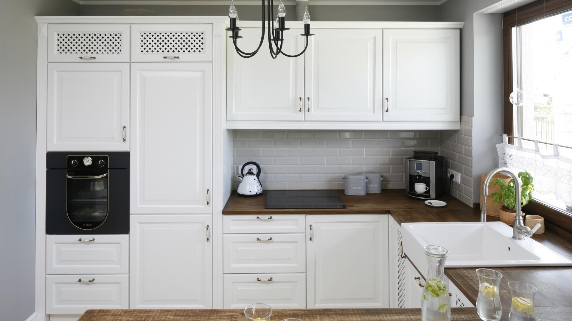 Białe klasyczne meble...  Modna kuchnia: wybierz biel z drewnem  Strona: 9