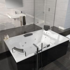 Wanna z hydromasażem CLAUDIA (z serii Thermae Line) - królowa każdej łazienki. Fot. Riho.