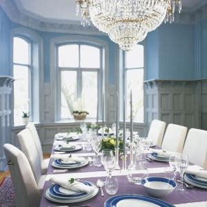 Serwis Marianne Royal Blue od Fyrklövern. Fot. Fyrklövern