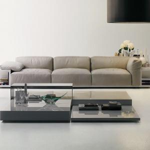 Mex to sofa modułowa zaprojektowana w 2006 roku przez Piero Lissoni, o charakterystycznej pięknej linii, która daje wrażenie sofy zbudowanej z samych miękkich poduch. Duża ilość modułów daje wiele możliwości kształtowania sofy. Na zamówienie, Cassina, fot. materiały prasowe