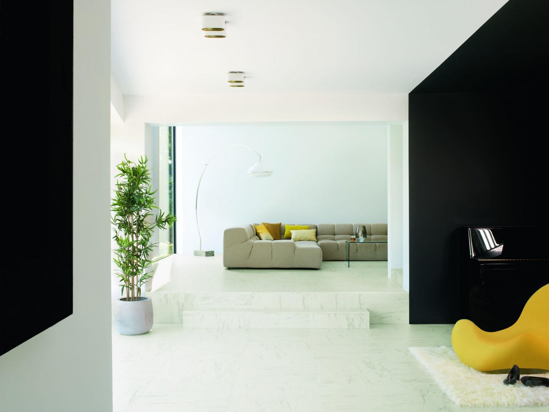 Podłoga laminowa Marmur Carrara. Fot. Quick-Step