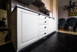 Widok na szafki kuchenne stanowiące podstawę projektu wnętrza kuchni