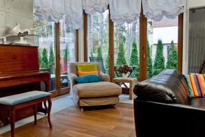 Dom w nowoczesnym stylu - część dzienna. Projekt i zdjęcia: We-ska design.