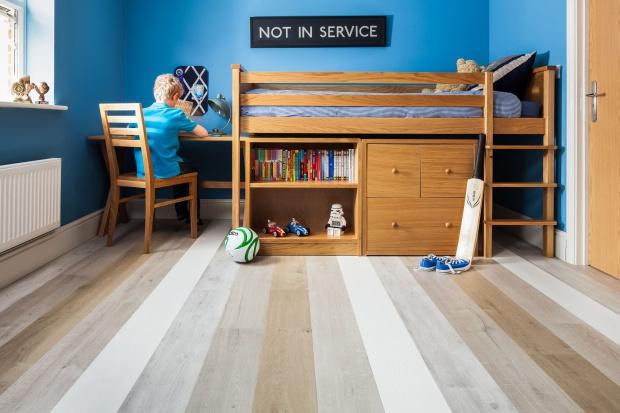 Pokój dziecka - postaw na podłogi laminowane