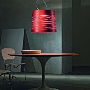 Lampa Tress marki Foscarini wykonana z włókna  szklanego. Dostępne różne kolory i wielkości klosza. Fot. Heban