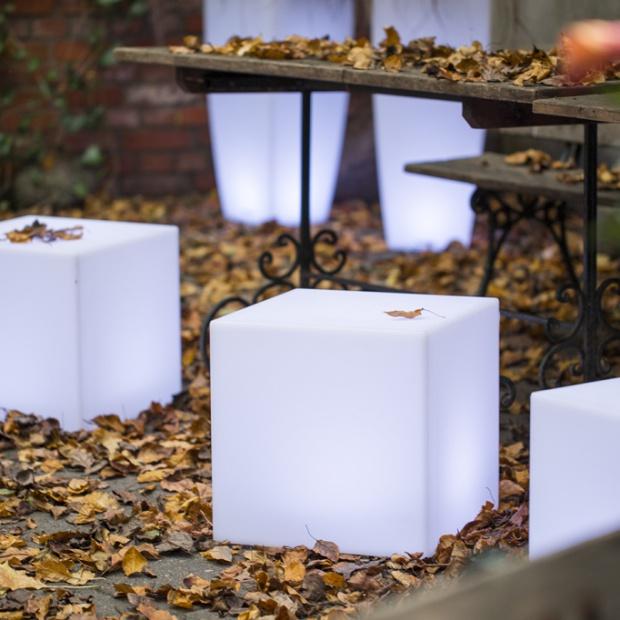Piękny ogród - wybierz oryginalne kule świecące