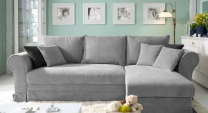 W salonach polskiej marki już teraz można zobaczyć najnowsze modele stylowych sof, narożników i kompletów wypoczynkowych. Różnorodne wzory i kolory mebli sprawią, że każdy znajdzie idealny wypoczynek dla siebie.
