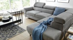 Materiały meblowe o właściwościach łatwo czyszczących zyskują na popularności. Tym, co sprawia, że te tkaniny można tak łatwo utrzymać w czystości, jest specjalna apretura.