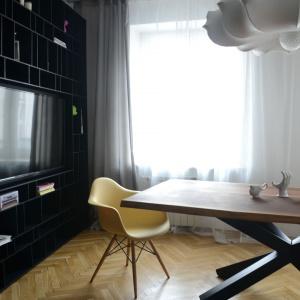 Stół Primal Wood Metaform. Fot. Le Pukka Concept Store.
