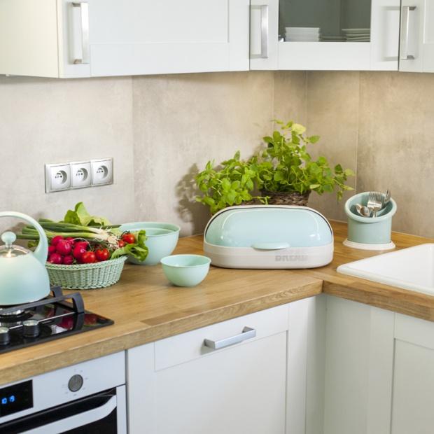 Modna kuchnia - akcesoria w kolorze mięty i szarości