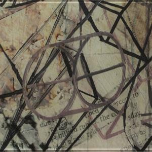 Kolekcja płytek Ermeo, tak jak sztuka uliczna, to połączenie wiele różnych elementów – wycinków z gazet, tagów, szablonów grafitti i geometrycznych kompozycji. Fot. Ceramika Paradyż