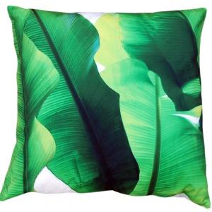 Poduszka LEAVES ze wzorem w liście bananowca w soczystym, zielonym kolorze. 99 zł, Miloo/ House&More