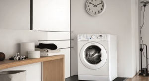 Pranie to czynność, którą wykonujemy kilka razy w tygodniu, a w przypadku rodzin z dziećmi pralka staje się urządzeniem, z którego korzystamy niemal codziennie.