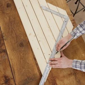 Aby stolik miał prawidłowe wymiary i dokładnie pasował do wybranego miejsca, najpierw ustal jego wymiary. Fot. Bosch