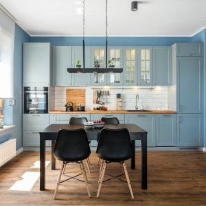 Panele podłogowe w kuchni. Fot. Studio Zoya Max Kuchnie