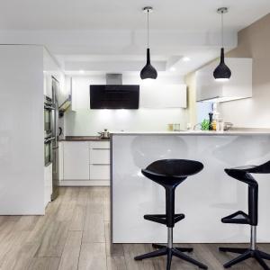 Panele podłogowe w kuchni. Fot. Meble Wach - Max Kuchnie