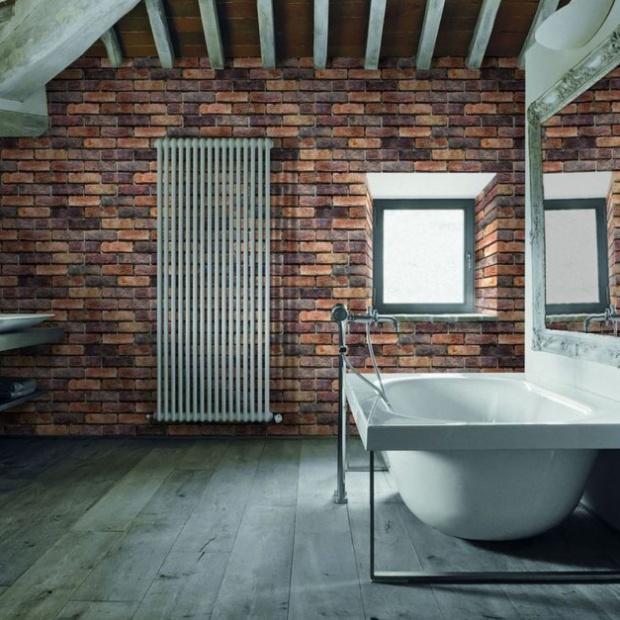Cegła na ścianie: zobacz, jak urządzić łazienkę
