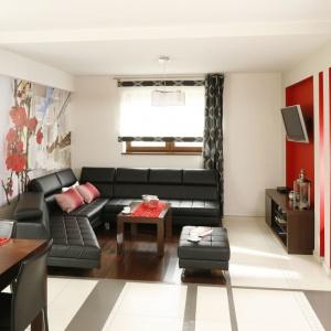Niewielkie mieszkania wymagają szczególnie starannego projektu. Umiejętna kompozycja barw i dodatków ożywi wnętrze i zdecyduje o komforcie użytkowania. Projekt: Marta Kilan, Fot. Bartosz Jarosz