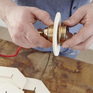 Stylowa lampa krok 5. Fot. Bosch