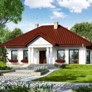 Dom w gaurach 3 - tradycyjny projekt domu parterowego z czterospadowym dachem o  proporcjonalnej bryle i efektownie zakomponowanych elewacjach. Projekt: Archon+.