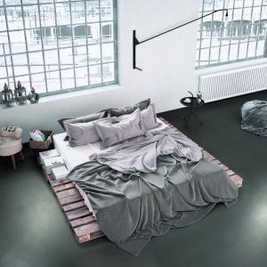 Weber floor design to system posadzek żywicznych, które nadadzą podłodze, jak i całemu wnętrzu modny, industrialny charakter. Fot. Weber