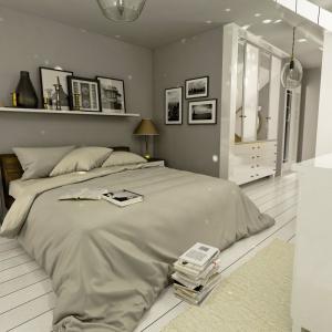 Szarości z nutą złota i srebra - to kolory dominujące w sypialni. Projekt: arch. Maja Klimowicz, Fot. Dom Dla Ciebie – Pracownia Projektowa Archeco