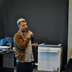 Patryk Kaczanowski odpowiedzialny za markę Morgan&Möller pokazał rozwiązania z zakresu betonu architektonicznego.