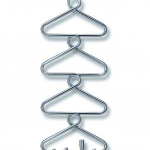 Elementy grzejne modelu  ARCHIBALD mają elegancki kształt kolumny wieszaków ubraniowych, uformowany z jednego fragmentu wygiętej rury stalowej. 4.700 zł. Fot. Runtal