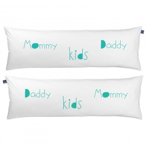 One Pillow Mommy Daddy kids. Fot. Mr&Mrs Sleep