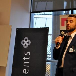 Mariusz Kwaśniewski z firmy RuckZuck pokazał zaś atuty drzwi marki Desigio.