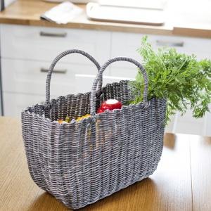 Suelo, koszyk z 2 uchwytami o wymiarach 40x15x25 cm. Dostępny w kolorach: zielony, niebieski i szary. Cena brutto 39,50 zł. Fot. Galicja
