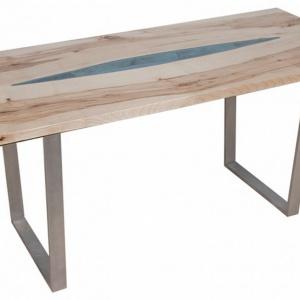Stół ze szkłem. Fot. Malita Just Wood