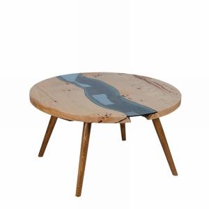 Stolik ze szkłem. Fot. Malita Just Wood