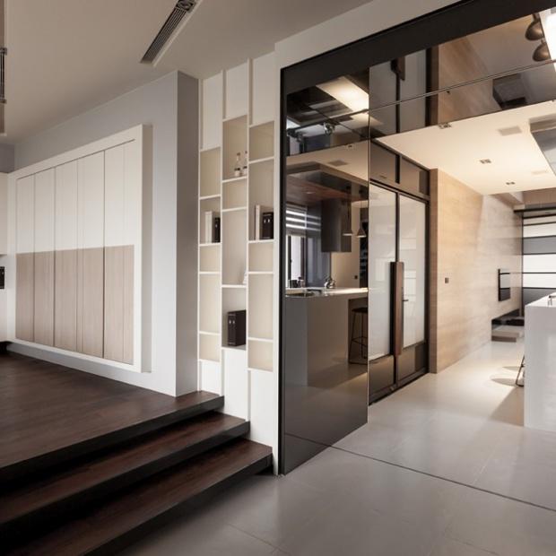 Pomysłowe mieszkanie w beżach i brązach