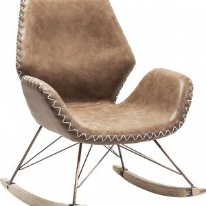 Bujany fotel FLORIDA BROWN zwraca uwagę awangardowym kształtem i wyrazistymi przeszyciami; z ekoskóry. 3.789 zł. Fot. Kare Design