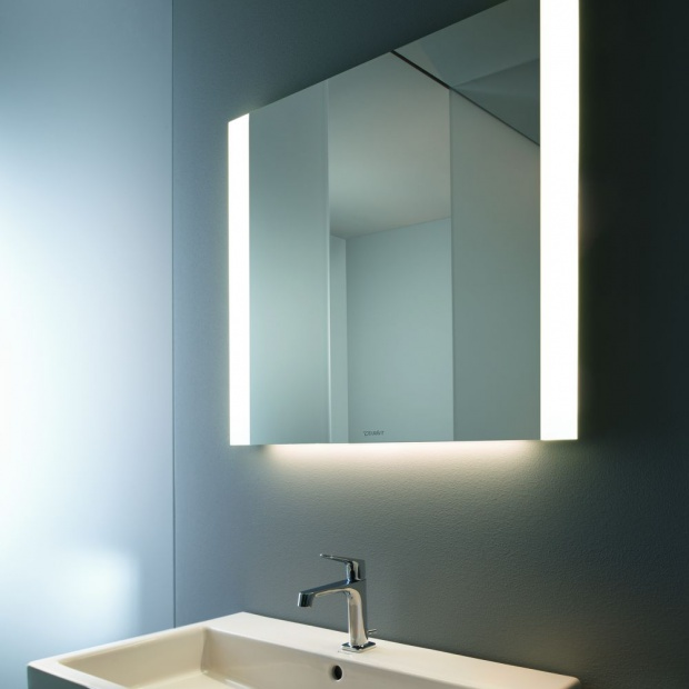 Nowości do łazienki - lustra zintegrowane z oświetleniem