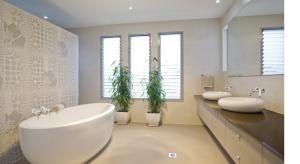 Prawdziwy salon kąpielowy to coś więcej niż tylko duża łazienka. Można go z powodzeniem zorganizować we własnym domu. Planując to wnętrze należy wziąć pod uwagę nie tylko jego estetykę, ale także funkcjonalność.