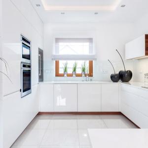 Aranżacja okna kuchennego. Fot. Art House Studio Max Kuchnie