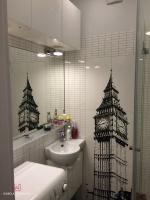 Łazienka z dekorem biało-czarnym BigBen