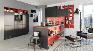A może biel zamienić brązem w ciemnym odcieniu lub elegancką czernią? Zobaczcie propozycje mebli do kuchni - tym razem- w ciemnych kolorach.
