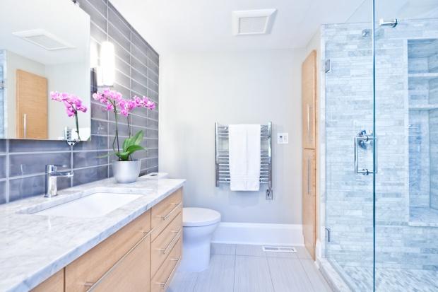 Nowoczesna łazienka: wykorzystaj modne farby