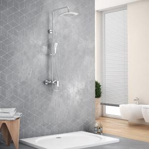 Zestaw prysznicowy RAIN ALTAR WHITE składa się z baterii prysznicowej z wylewką wannową, dzięki czemu polecany jest także do wanien z parawanem. Biało-chromowa słuchawka (5-cio funkcyjna) i deszczownia górna. 1.099 zł. Fot. Excellent