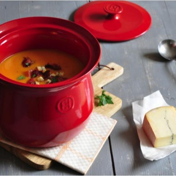 Gotuj zdrowo: wybierz naczynia do pieczenia i duszenia