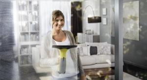 Mycie okien nie należy do ulubionych domowych prac większości z nas. Osiągnięcie idealnego efektu – szyb bez smug i zacieków jest zwykle opłacone naprawdę dużym wysiłkiem. Ale tak być nie musi.